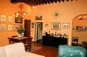 Appartamento in Via Guinigi, Centro Storico, Lucca