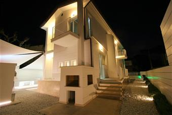 Villa in Via Dei Platani, Lido Di Camaiore, Camaiore