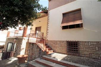 Villa, San Vincenzo, seminuova