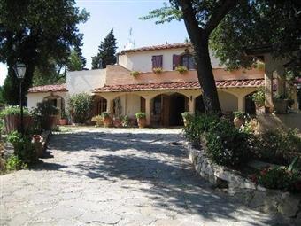 Villa, Piombino, seminuova