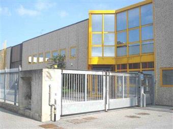 Capannone industriale in Via Stucchi, Amati, Buonarroti, Cederna, Sant'albino, Monza