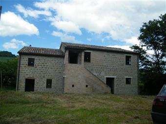 Casa singola in Piazza Leopardi, Mergo