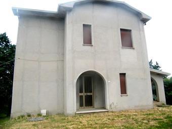 Casa singola in Piazza Santa Maria, Belvedere Ostrense