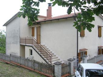 Casa singola in Piazza Della Libertã, Macine, Castelplanio