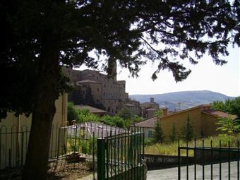 Appartamento in Piazza Della Libertã, Serra San Quirico