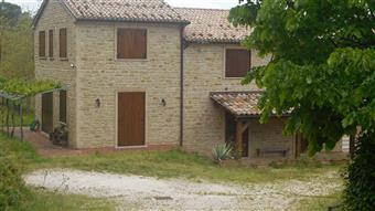 Casa singola in Cesare Battisti, Mergo