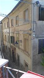 Villa a schiera in Corso Umberto, Macine, Castelplanio