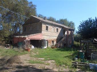 Rustico casale in Strada Provinciale Sirolo, La Chiusa, Agugliano