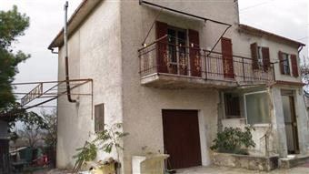 Casa singola in Via Casertino, Fornace, Belvedere Ostrense