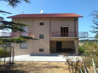 Casa singola in Serra, San Marcello