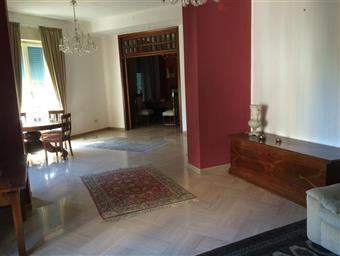 Appartamento in Via Elenuccia, 3, C. Storico: Duomo, Via Garibaldi, C.so Cavour, Messina