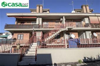 Trilocale in Via Dei Gelsomini, Colle Fiorito, Guidonia Montecelio