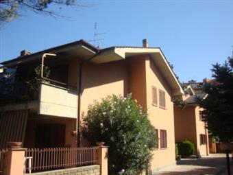 Trilocale in Via Saronno, Giustiniana, Roma