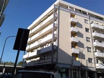 Trilocale in Via Lucio Valerio, Porta Nuova, Pescara