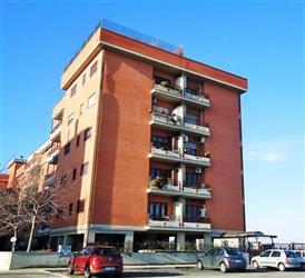 Trilocale in Via Raffaello Morghen, Torvergata, Roma