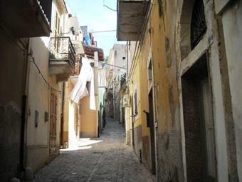Locale commerciale in Via Raffaello, Scicli, Scicli