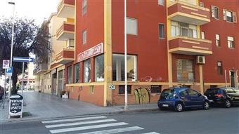 Locale commerciale in Viale Cristoforo Colombo, Quartu Sant'elena