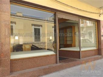 Locale commerciale in Via Garibaldi, Pozzallo