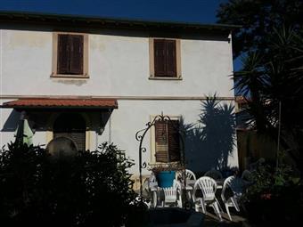 Casa singola, Marina Di Pisa, Pisa, ristrutturata