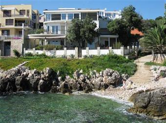 Villa, Bari, seminuova