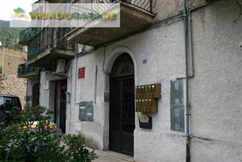 Trilocale in Piazza Vittorio Veneto, Campetella, Marcellina