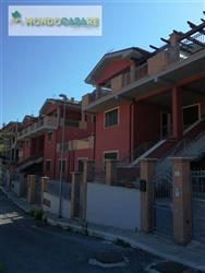 Villa a schiera, Palombara Sabina