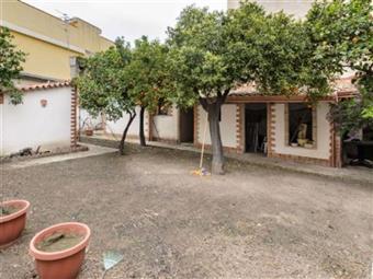 Villa, Calatabiano