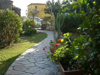Villa, Lascari