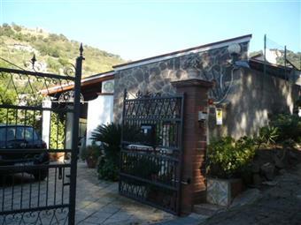 Villa, Cefalu'