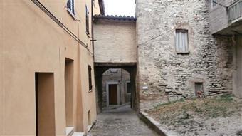 Villa, Esanatoglia