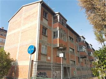 Quadrilocale in Via Giosue' Carducci, Via Bologna, Ferrara