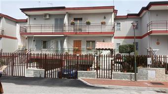 Casa singola in Via Stella Montis, Castello Di Cisterna