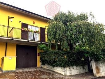 Villino in Casteggio Via Vigorelli, Casteggio