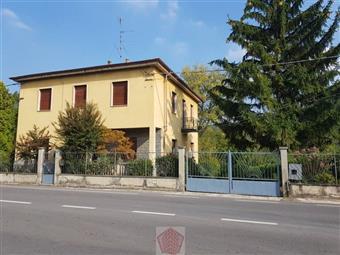 Villino in Santa Maria Della Versa, Santa Maria Della Versa