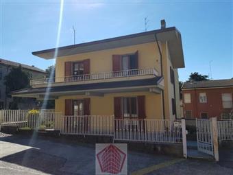 Villino in Broni Vie Emilia, Broni