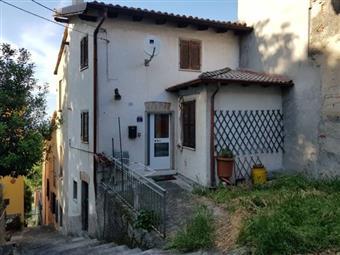 Casa singola in Rovescala, Rovescala