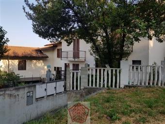 Villa a schiera in Stradella Piazza Meriggi, Stradella