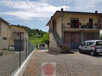 Villino in Montã¹ Beccaria, Montu' Beccaria