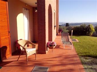 Villa, Peccioli, seminuova