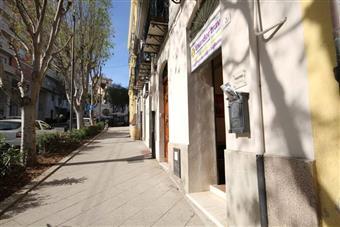 Locale commerciale in Viale Regina Margherita, Cagliari
