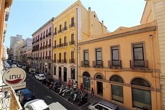 Quadrilocale in Piazza Del Carmine, Stampace, Cagliari