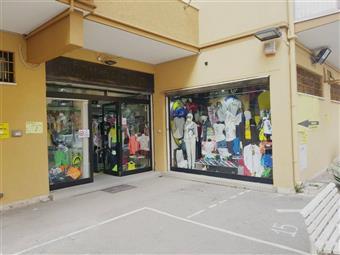 Locale commerciale in Via Alessandro Bartolini, Ostia, Roma