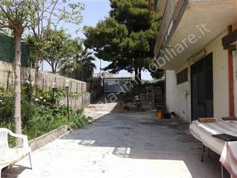 Casa semi indipendente in Collina Primosole 31, Zona Periferica, Catania