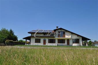 Villa in Via Padre Berlusconi, Lurago Marinone