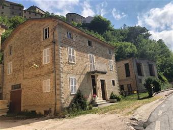 Casa singola in Via Burocchi Giovanni, Penna San Giovanni