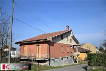 Casa singola, Castiglione Torinese, da ristrutturare