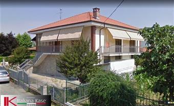 Villino, Gassino Torinese, da ristrutturare