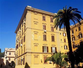Quadrilocale in Via Sebastiano Grandis, S.giovanni, Esquilino, San Lorenzo,, Roma