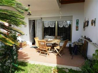 Villa a schiera in Via Umbria, Santa Marinella