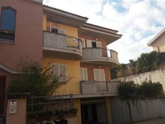 Appartamento in Via Micozzi, Teramo